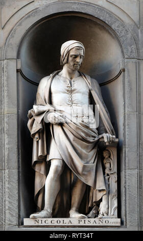 Nicola Pisano, statue in the Niches of the Uffizi Colonnade in Florence - Stock Photo