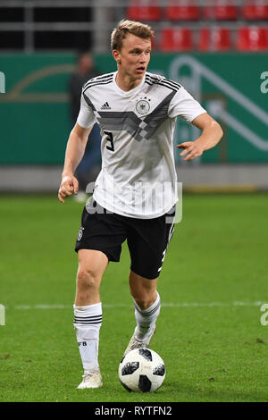 Ingolstadt, Deutschland. 15th Mar, 2019. Cadre nomination at DFB team: Lukas KLOSTERMANN appointed to national team. Image: Lukas KLOSTERMANN (GER) Action, single action, single image, cut out, full body shot, whole figure. Soccer U-21 Laenderspiel.EM Qualification, Germany (GER) - Norway (NOR) 2-1, on 12.10.2018 in Ingolstadt/AUDI SPORTPARK. DFB REGULATIONS PROHIBIT ANY USE OF PHOTOGRAPH AS IMAGE SEQUENCES AND/OR QUASI VIDEO. | Usage worldwide Credit: dpa/Alamy Live News - Stock Photo