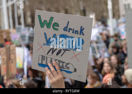 London, UK. 15th Mar 2019. Mass student climate change protest in central London Credit: Ian Davidson/Alamy Live News - Stock Photo