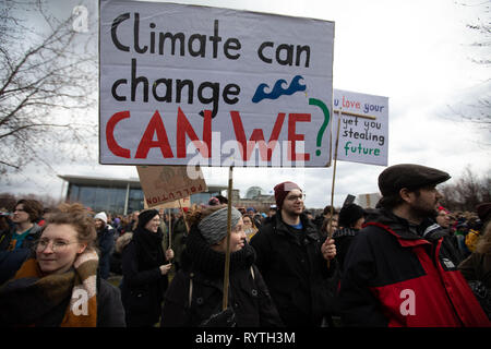 Berlin, Berlin, Germany. 15th Mar, 2019. Demonstrators, many among them are striking high school studenst hold signs and banners during the 'Fridays For Future' protest in Berlin, Germany, March 15, 2019. The demonstration was part of a series of similer events taking place world wide, in demand for more laws and regulations aimed to stop global warming. Credit: Omer Messinger/ZUMA Wire/Alamy Live News - Stock Photo