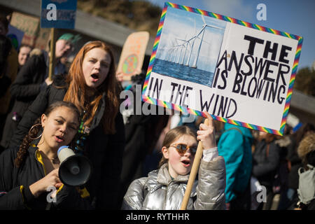 Edinburgh, Scotland, 15th March 2019. Youth Climate Strike demonstration takes place outside of the Scottish Parliament, in Edinburgh, Scotland, 15 March 2019. The Youth Climate Strike rallies, inspired by Swedish schoolchild and activist Greta Thunberg, are today taking place in more than 100 countries. Photo by: Jeremy Sutton-Hibbert/Alamy Live News. - Stock Photo