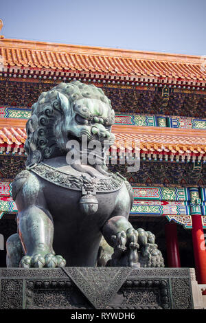 statue of chinese guardian lion forbidden city beijing china (palace museum)