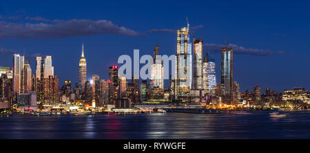 Hudson Yards skyscrapers under construction in Midtown West Manhattan, redifining the New York City skyline - Stock Photo