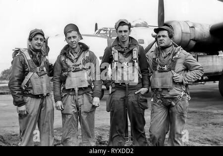 Personal photographs and memorabilia of fighting Americans during the Second World War. B-25 Mitchell medium bomber aircrew. - Stock Photo
