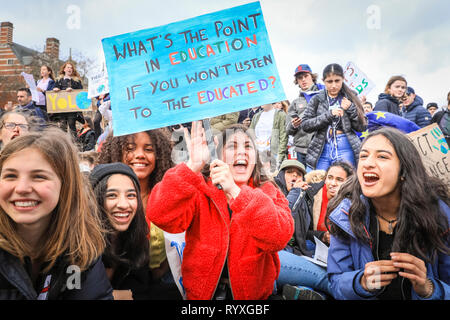 Westminster, London, UK, 15th Mar 2019. Young climate protesters make their voices heard on Westminster Bridge in the heart of London. Students, school children and young people in cities around the world rally in 'Youth Strike 4 Climate' action to protest against lack of government action against climate change. Credit: Imageplotter/Alamy Live News - Stock Photo