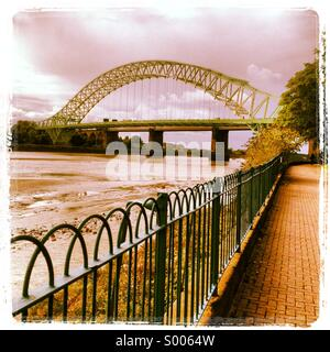 Runcorn Widnes Silver Jubilee road bridge - Stock Photo