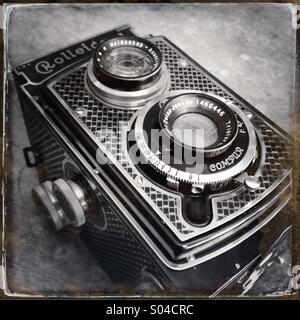 Rollei Rolleicord Deco vintage film camera - Stock Photo