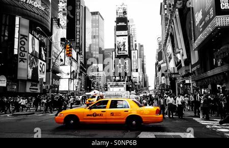 New york nyc usa sin city black and white yellow taxi