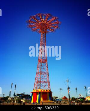 Parachute jump in Coney Island Brooklyn - Stock Photo