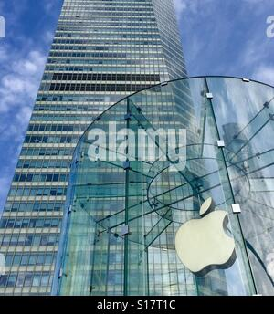 The Apple Store at ifc mall in Pudong, Shanghai, China - Stock Photo