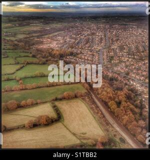 The view of Leeds from seat 6F on a Jet2 Boeing 737-800 aircraft on the approach to Leeds Bradford Airport, UK. - Stock Photo
