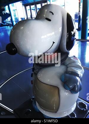 astronaut helmet from kennedy space center - photo #18