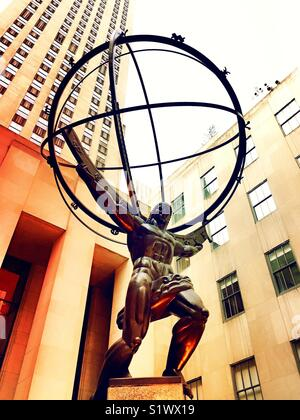Atlas holding up the world statue, Rockefeller Center,NYC - Stock Photo