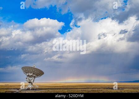 Radio Antenna at the Very Large Array in New Mexico - Stock Photo