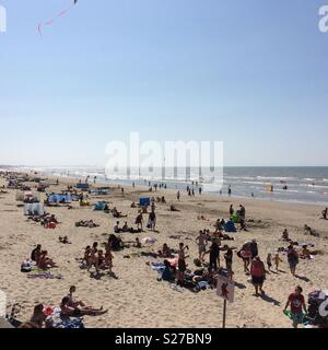 Malo les Bains beach, Dunkirk. One of the beaches used in the rescue of 338,000 allied troops by little boats in June 1940. - Stock Photo
