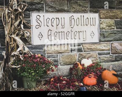 Sign at Sleepy Hollow Cemetary at sleepy hollow, usa October 2018 - Stock Photo
