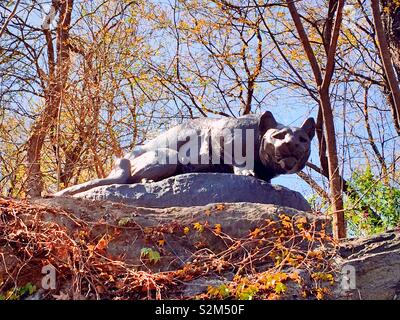 """"""" Still Hunt"""" cougar sculpture, East Drive,""""Cat Hill"""", Central park, NYC - Stock Photo"""