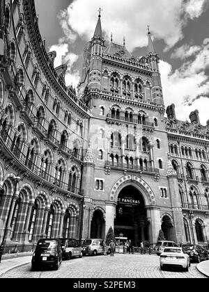 London, UK - 6th June 2019: St Pancras International Railway Station and Hôtel. - Stock Photo