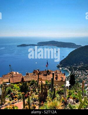 Èze - a commune in the Alpes-Maritimes department in southeastern France, approximately 12.5 kilometres from the city of Nice. - Stock Photo