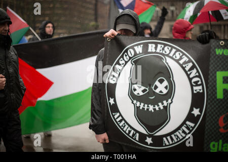 Glasgow, Scotland, 16th March 2019. Pro-Palestine and Pro-Israel groups meet at an Anti-racism rally in George Square, in Glasgow, Scotland, 16 March 2019.  Photo by: Jeremy Sutton-Hibbert/Alamy Live News. - Stock Photo