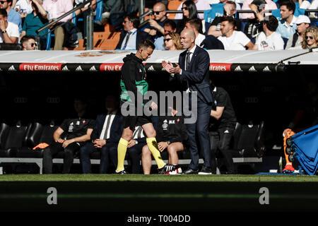 Santiago Bernabeu, Madrid, Spain. 16th Mar, 2019. La Liga football, Real Madrid versus Celta Vigo; Zinedine Zidane Coach of Real Madrid Credit: Action Plus Sports/Alamy Live News - Stock Photo