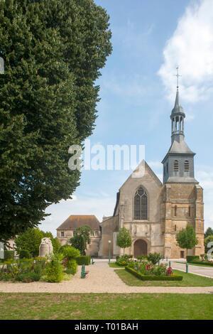 Frankreich, Champagne-Ardenne, Haute-Marne, Montier-en-Der, Abteikirche Peter und Paul - Stock Photo