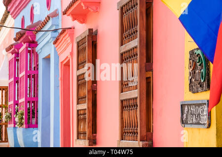 Colombia, Cartagena, Old Walled City Center centre, San Diego, colorful, buildings, colonial wood spindle window bars, sightseeing visitors travel tra