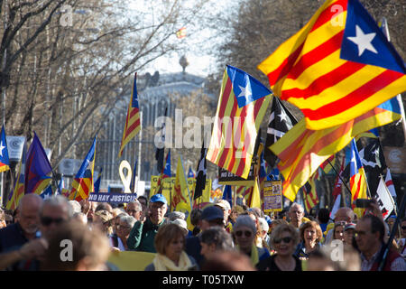 Madrid, Spain. 16th March 2019. Demonstrators seen with Catalan flags during the protest. Hundreds of Catalans protest in Madrid for independence, for self-determination and for the freedom of the political prisoners. Credit: SOPA Images Limited/Alamy Live News - Stock Photo