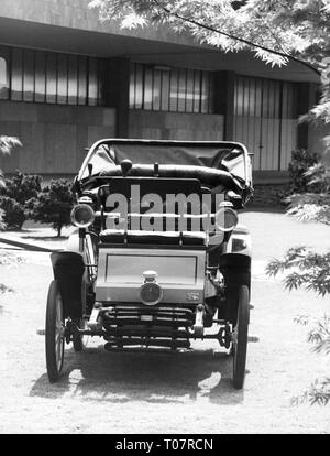transport historic, car, vehicle variants, Fiat, 3.5 HP, year of manufacture 1899, view from ahead, Torino Automobile Museum, 1960s, Additional-Rights-Clearance-Info-Not-Available - Stock Photo