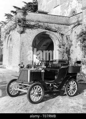 transport historic, car, vehicle variants, Ceirano 5 HP, year of construction: 1901, view from left ahead, automobile museum Torino, Italy, 1960s, Additional-Rights-Clearance-Info-Not-Available - Stock Photo