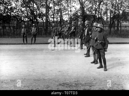Beer Hall Putsch 1923, post of the putschists on a access road, Munich, Germany, 9.11.1923, Additional-Rights-Clearance-Info-Not-Available - Stock Photo