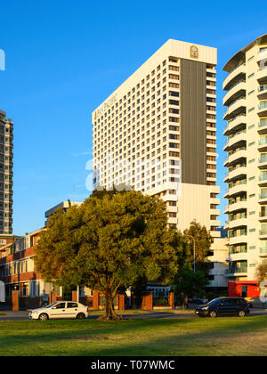 The Pan Pacific Hotel, Perth, Western Australia, seen from Langley Park, Perth. - Stock Photo