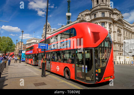 Busse, Trafalgar Square, London, England, Grossbritannien - Stock Photo