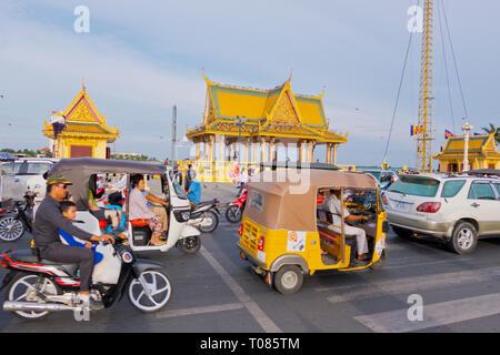 Sisowath Quay, riverside street, Phnom Penh, Cambodia, Asia - Stock Photo