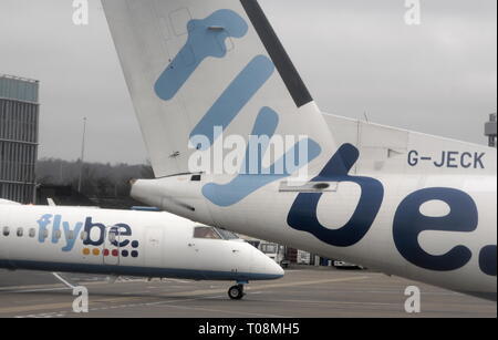 AJAXNETPHOTO. EASTLEIGH, ENGLAND. - FLYBE LOGO ON REGIONAL PASSENGER AIRCRAFT PARKED AND ARRIVING AT EASTLEIGH AIRPORT.PHOTO:JONATHAN EASTLAND/AJAX REF:D122902 1753 - Stock Photo