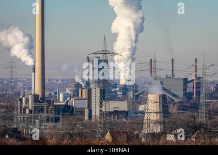 20.01.2019, Essen, North Rhine-Westphalia, Germany - Industrial landscape in the Ruhr area, on the left the RWE waste incineration plant Essen Carnap, - Stock Photo
