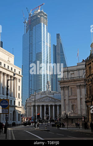 22 Bishopsgate building under construction looming above the Royal Exchange and the Bank of England in the City of London UK Europe  KATHY DEWITT - Stock Photo