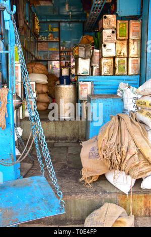 Weighing Scales, Cooking oils & provisions, Bundi, Rajasthan, India - Stock Photo