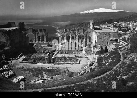 Italy, Sicily, Taormina, Ancient theatre of Taormina, gardens and Mount Etna, 1940 - Stock Photo