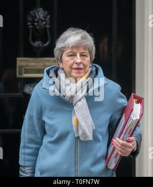 10 Downing Street, London, UK. 20 March 2019. British Prime Minister Theresa May leaving No 10 to attend weekly Prime Minister's Questions in Parliament. Credit: Malcolm Park/Alamy Live News. - Stock Photo
