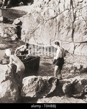 Edward VIII and Mrs. Simpson bathing at Dubrovnik during Mediterranean cruise of 1936 - Stock Photo
