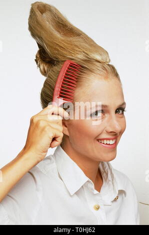 oddities, fashion, hair styles, hair style in form of a lady's shoe, version Billy showing work of hair art, hairdressers 'Mirage', Munich, Germany, August 1991, Additional-Rights-Clearance-Info-Not-Available - Stock Photo