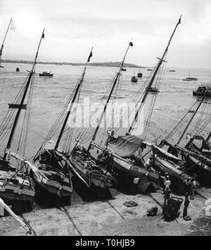 geography / travel, Panama, traffic / transport, navigation, boats during low tide, Panama City harbour, 1950s, Additional-Rights-Clearance-Info-Not-Available - Stock Photo
