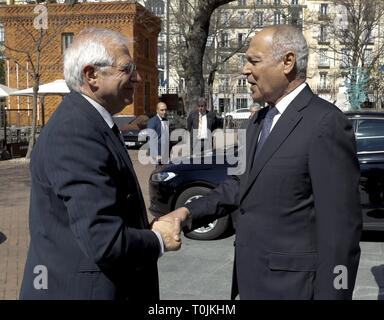 Madrid, Spain. 20th Mar, 2019. Spanish Foreign Minister, Josep Borrell (L), chats with General Secretary of the Arab League, Ahmed Aboul Gheit (R), as they arrive to visit an exhibition at the Arab House in Madrid, Spain, 20 March 2019. Credit: Ballesteros/EFE/Alamy Live News - Stock Photo