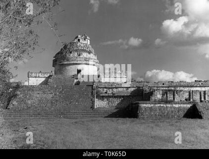 geography / travel, Mexico, Chichen Itza, buildings, observatory, exterior view, circa 1960s, Additional-Rights-Clearance-Info-Not-Available - Stock Photo