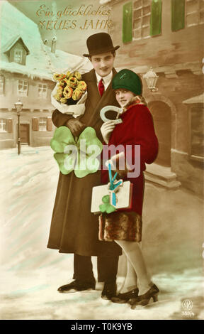 festivities, New Year, 'Ein glueckliches Neues Jahr', lovers with good luck symbols, New Year's card, postcard send on 31.12.1927, Germany, 1927, Additional-Rights-Clearance-Info-Not-Available - Stock Photo
