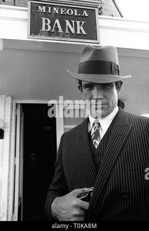WARREN BEATTY, BONNIE AND CLYDE, 1967 - Stock Photo