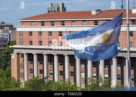 Mendoza, Argentina. 11/01/2017. Ciudad de Mendoza. Foto: Axel Lloret / ALL ARGRA 2250 - info@allofotografia.com - www.allofotografia.com - 0261 468 52 - Stock Photo