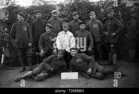 First World War / WWI, prisoners of war, group of captured German soldiers, France, August 1919, Additional-Rights-Clearance-Info-Not-Available - Stock Photo
