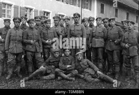 First World War / WWI, group German soldiers of the Bavarian Rifle Regiment 3 (Alpine Corps), August 1917, Additional-Rights-Clearance-Info-Not-Available - Stock Photo